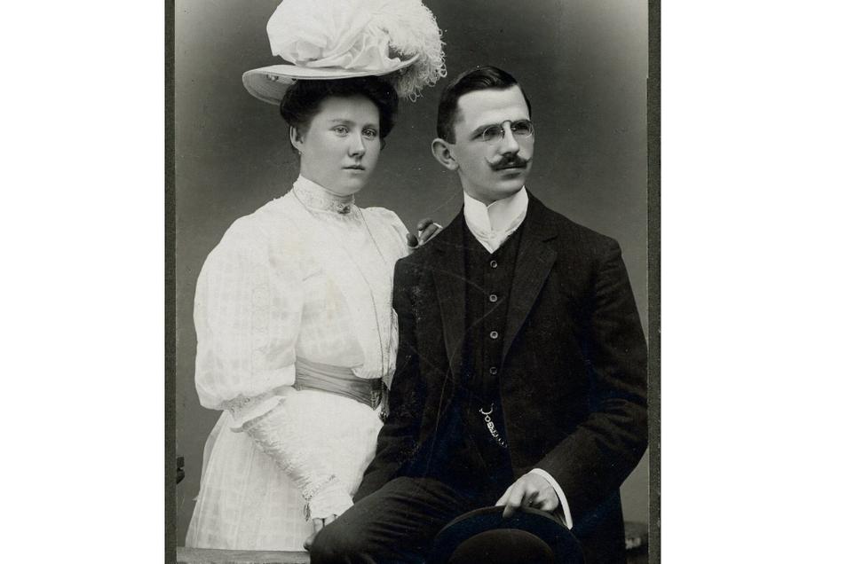 Firmengründer Hermann Knobloch mit seiner Frau Meta im Juni 1908.