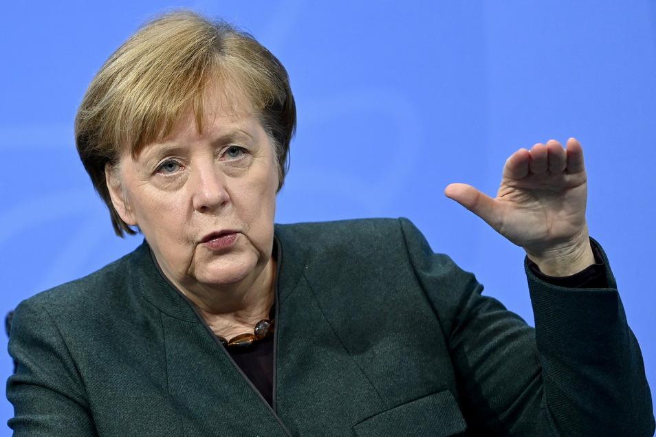 Bundeskanzlerin Angela Merkel (CDU) spricht während der Pressekonferenz im Bundeskanzleramt zu den Ergebnissen der Bund-Länder-Beratungen zu den weiteren Corona-Maßnahmen.
