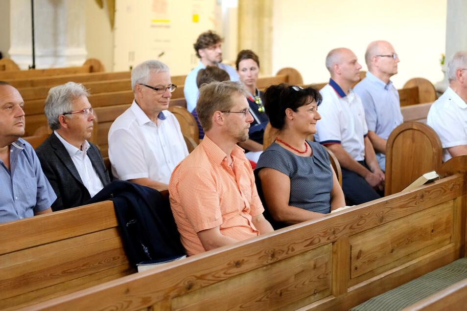 Vor der ersten Sitzung des neuen Stadtrates fanden sich einige Räte zu einer Andacht in der Frauenkirche ein. Zu Beginn der Sitzung wurde des Denkmalpflegers Andreas Christl mit einer Schweigeminute gedacht.