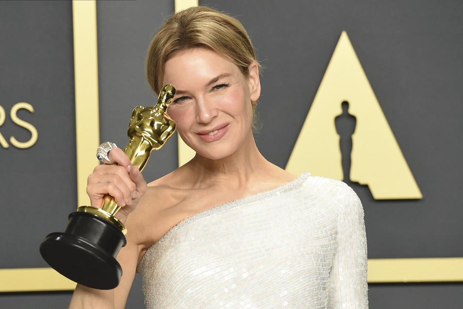 """Renee Zellweger, Gewinnerin des Oscars """"Beste Hauptdarstellerin"""" für ihre Rolle in dem Film """"Judy"""""""