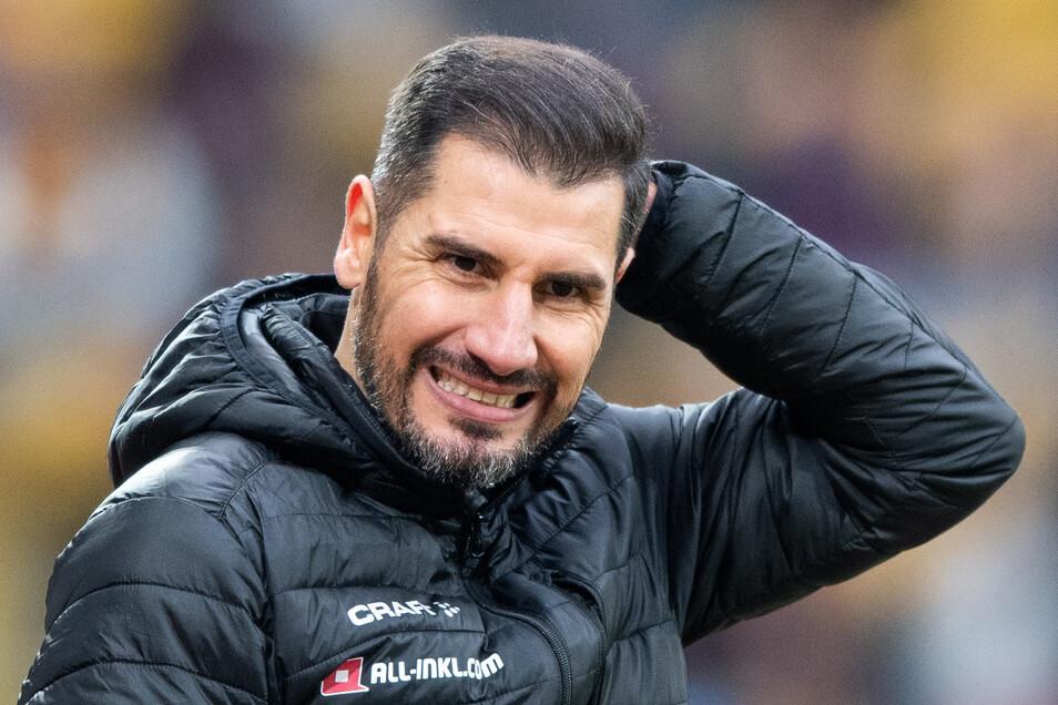 Aua, das tat weh! Nach dem 1:2 gegen Kiel ist Trainer Cristian Fiel von der Mannschaft enttäuscht und seine eigene Zukunft ungewiss.