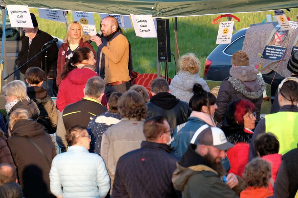 Etwa 200 Teilnehmer sind zum Meißner Bürgerdialog auf der Festwiese zusammengekommen.
