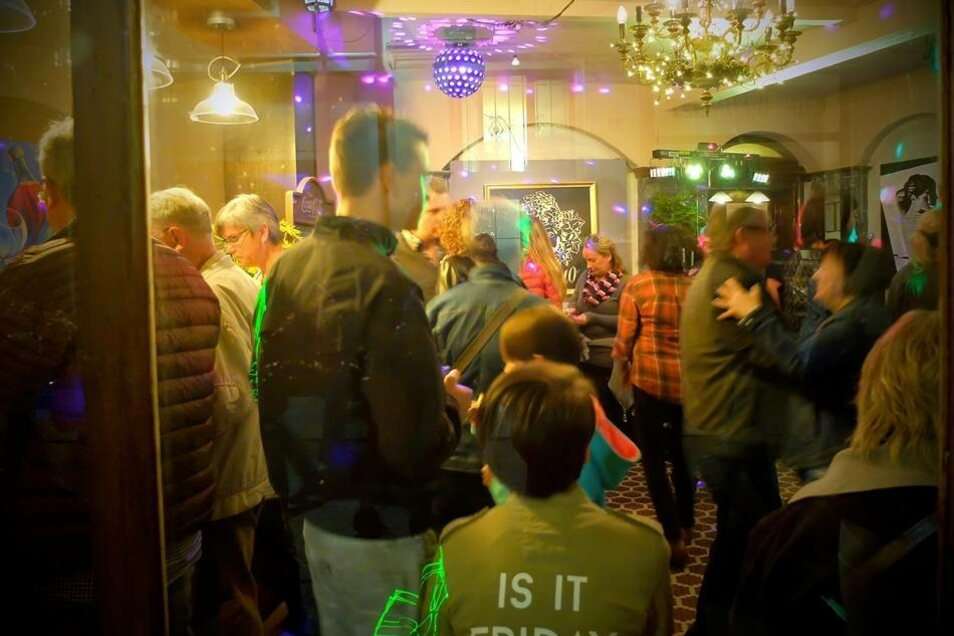 Im Restaurant Vinolovio am Theaterplatz wurde besonders ausgelassen gefeiert und getanzt.