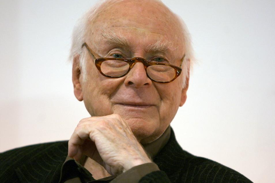 Loriot (1923 - 2011) gehört zu den berühmtesten deutschen Komikern.