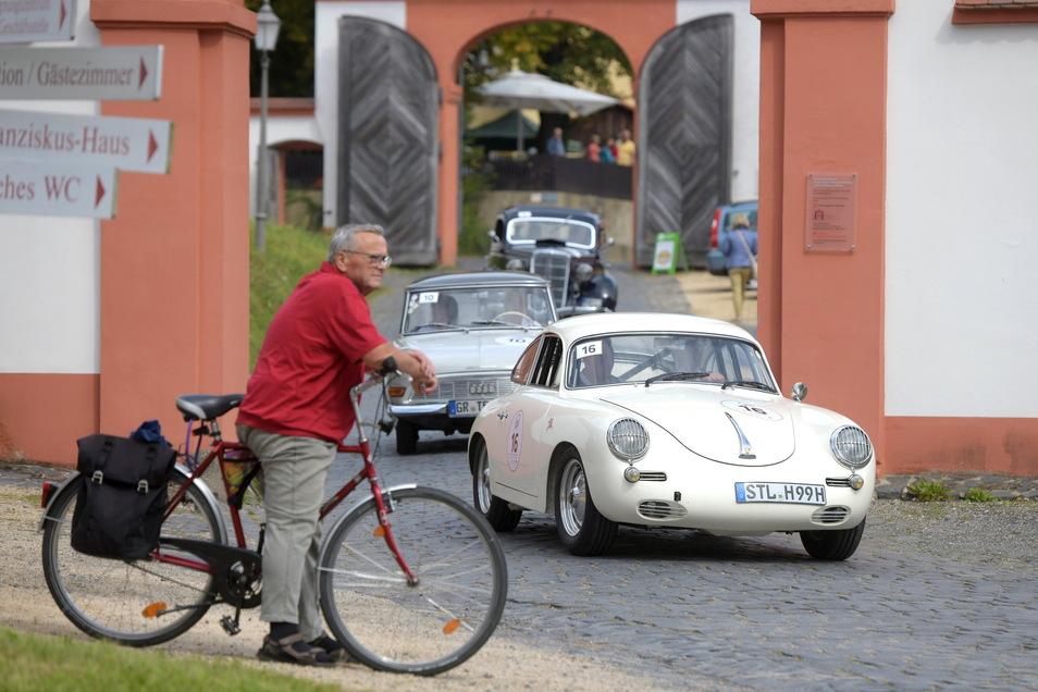 Einfahrt ins Kloster St. Marienthal in Ostritz wo die Fahrer auch einen Stempel bekamen.