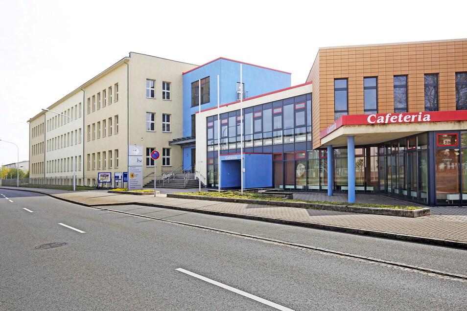 Das Berufliche Schulzentrum für Technik und Wirtschaft Riesa an der Paul-Greifzu-Straße in Gröba.