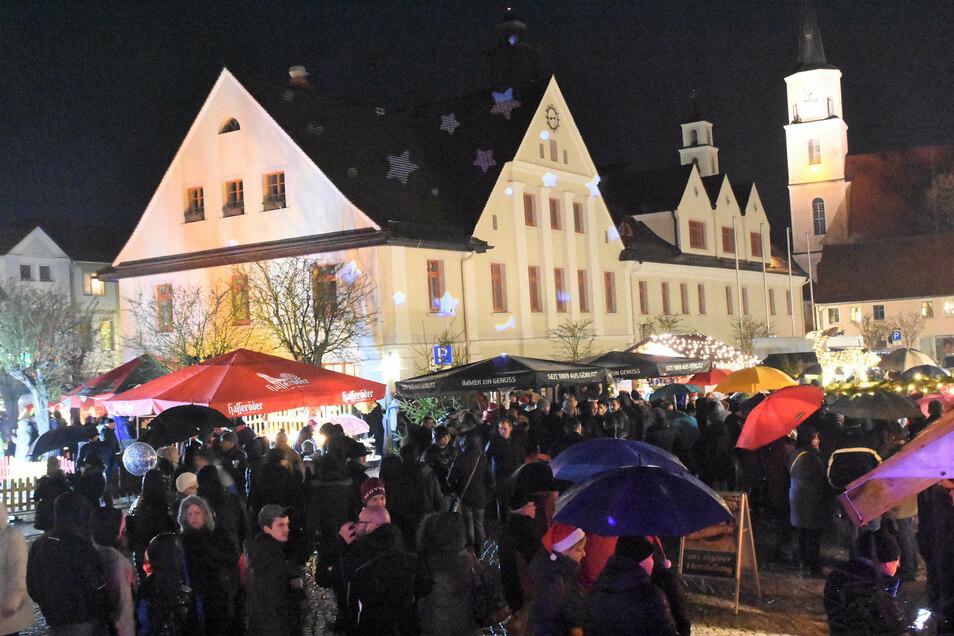 Dicht an dicht - so haben sich die Besucher des Weihnachtsmarktes auch in Rothenburg gedrängt. In diesem Jahr ist eine solche Nähe ausgeschlossen.