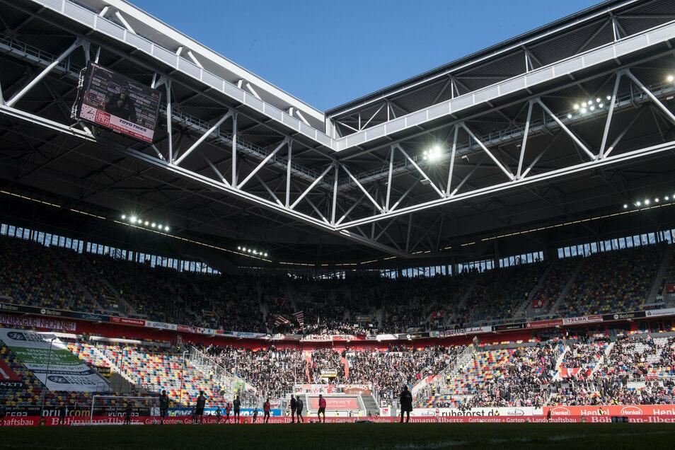 Im Düsseldorfer Fußballstadion - hier ein Archivbild - soll Anfang September ein Konzert stattfinden.
