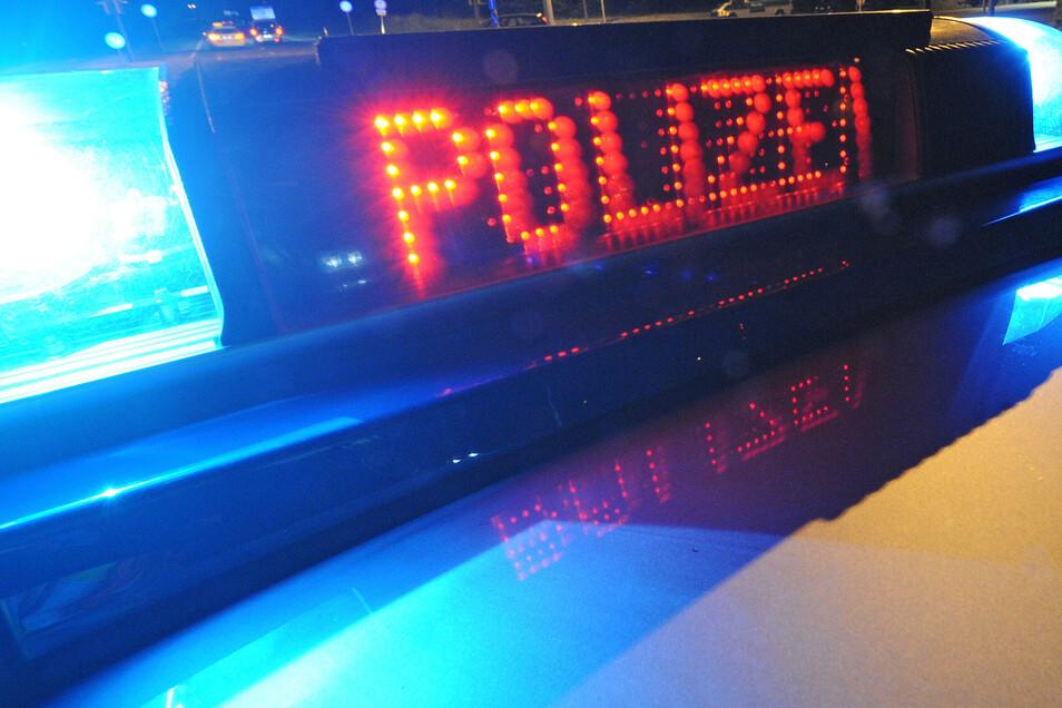 Die Polizei ermittel jetzt nach einem Diebstahl auf dem Autobahnparkplatz Wacheberg.