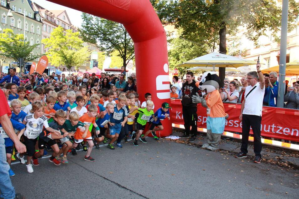 Anders als beim Bautzener Stadtlauf im Jahr 2018, wie hier auf dem Foto, findet der Lauf in diesem Jahr nicht in der Innenstadt - sondern im Stadion Müllerwiese statt.
