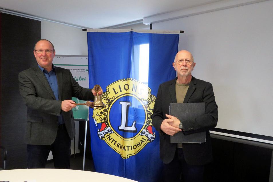 Der Lionsfreund und Geschäftsführer der Wohnungsgesellschaft Hoyerswerda, Steffen Markgraf (links), und das Lionsclub-Vorstandsmitglied Michael Renner schauen trotz Corona-Pandemie optimistisch in die Zukunft.