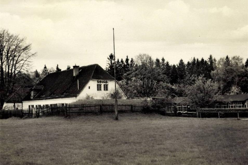 Die Hofewiese - hier auf einer Postkarte um 1935 - hat eine lange und bewegte Geschichte.