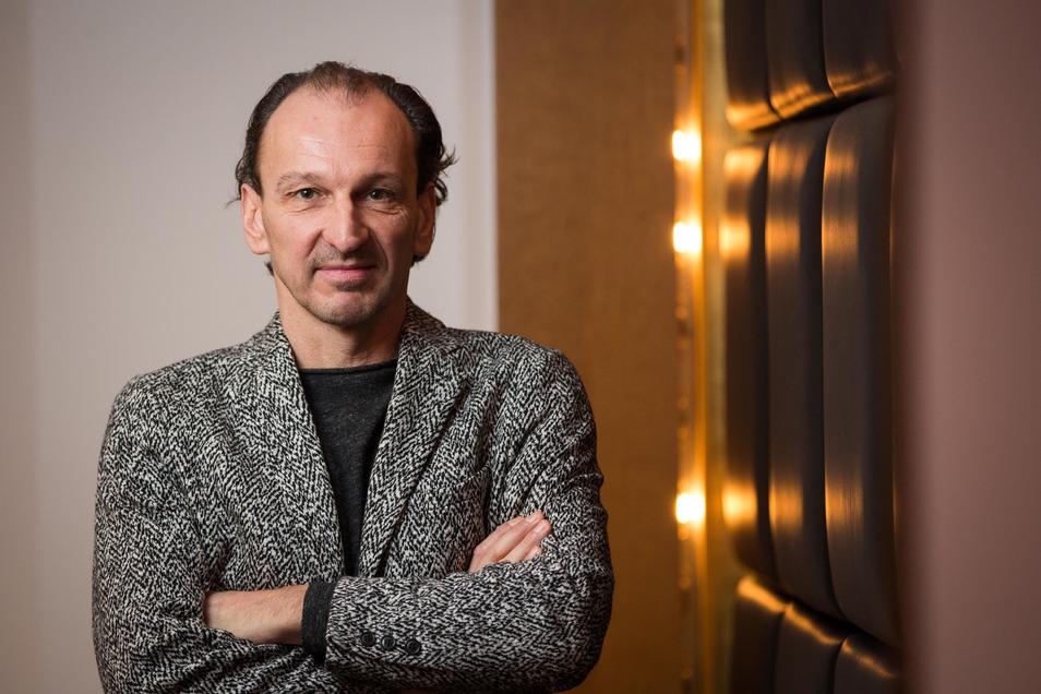 Steht selbst nicht gern im Rampenlicht: Lichtkünstler Tom Roeder.