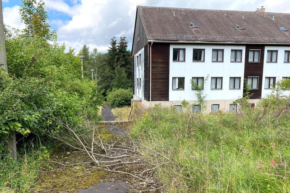 Die Gebäude des ehemaligen Ferienlagers in Oybin stehen noch - aber sie stehen seit 30 Jahren leer.