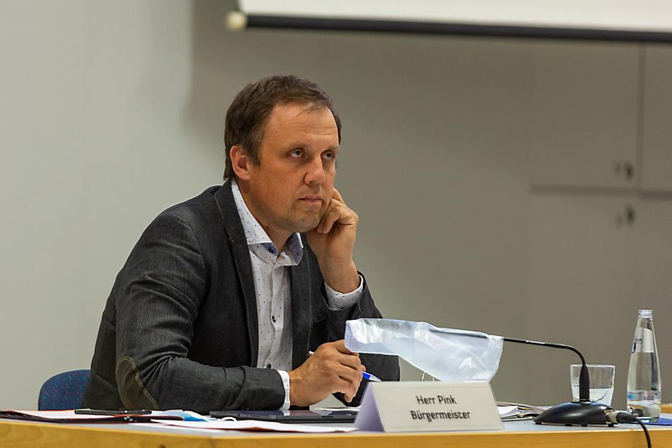 Mirko Pink am Dienstag während der Stadtratssitzung. Er ist seit hundert Tagen der zweite Mann im Rathaus.