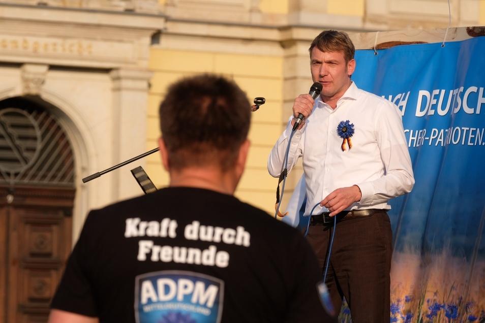"""Anhänger von Poggenburgs """"Aufbruch deutscher Patrioten Mitteldeutschland"""" (ADPM)."""