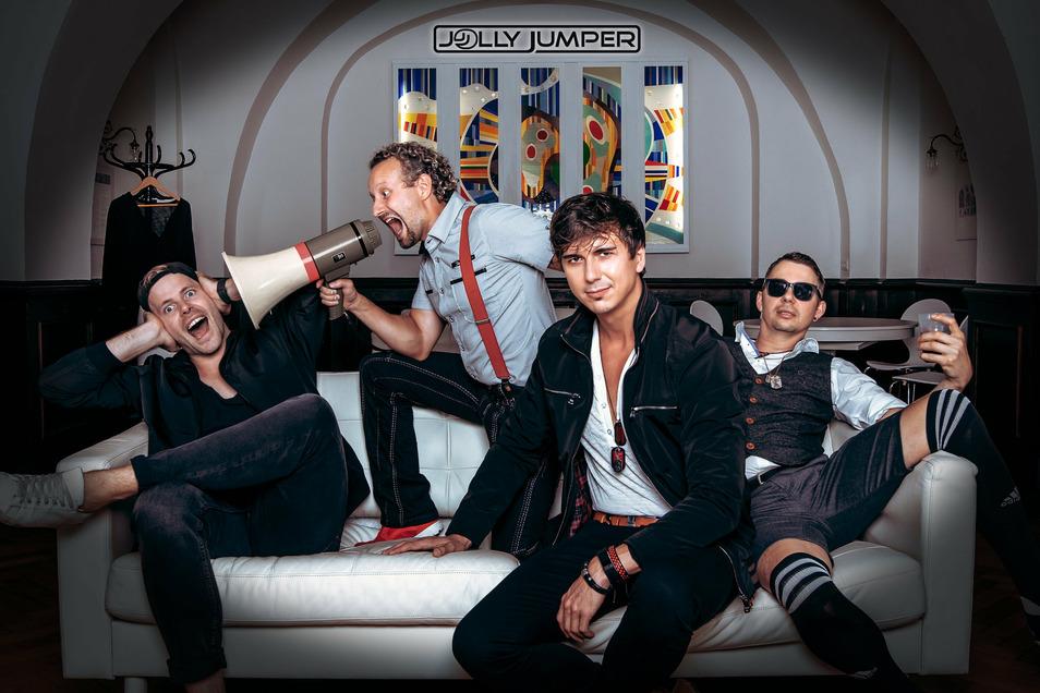 Ein Bild aus besseren Zeiten. Seit Ausbruch der Corona-Pandemie ist den Musikern der Bautzener Band Jolly Jumper selten zum Scherzen zumute.