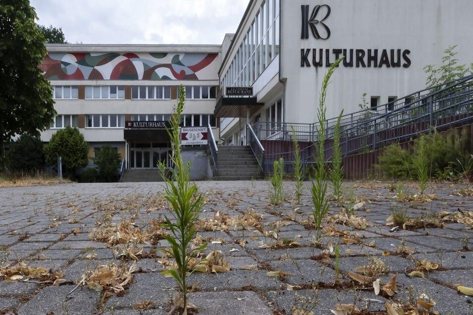 Seit rund drei Jahren ist das Kulturhaus Bischofswerda geschlossen. Zurzeit steht es unter Insolvenzverwaltung. Jetzt schlägt die Stadtverwaltung vor, dass unter anderem der Innenstadt-Hort einzieht.