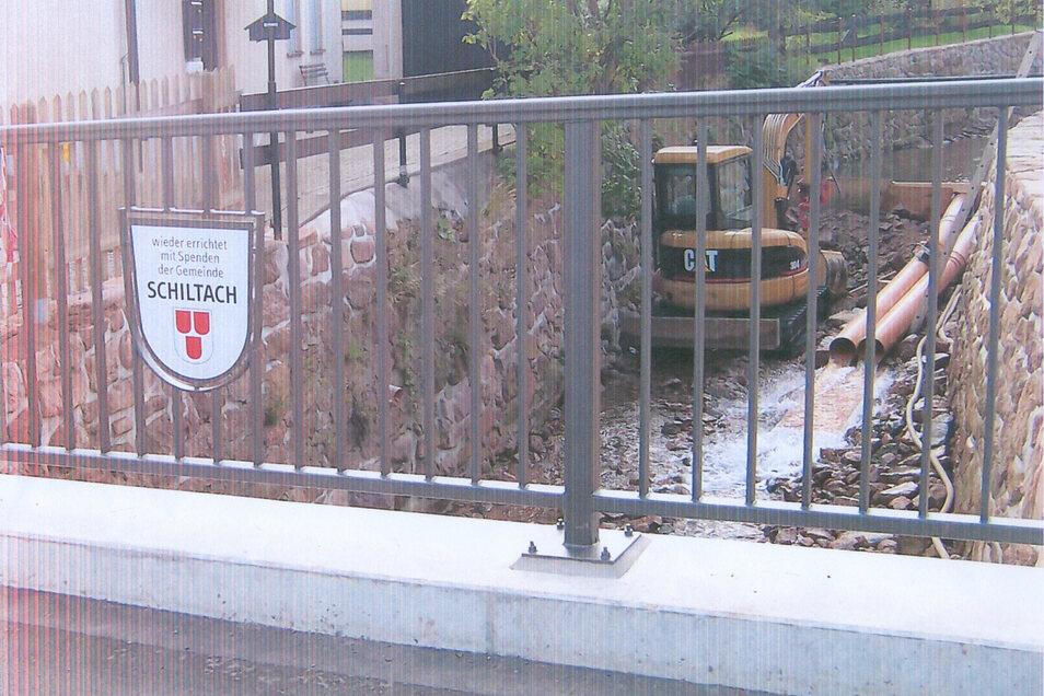 Ein sichtbares Zeichen der Schiltacher Aufbauhilfe nach dem Hochwasser 2002 in Geising.