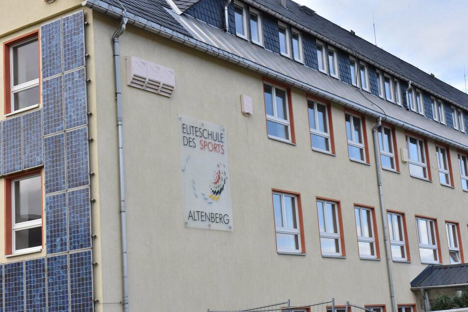 Am Dienstag kam die Nachricht, dass das Altenberger Gymnasium geschlossen bleiben muss.