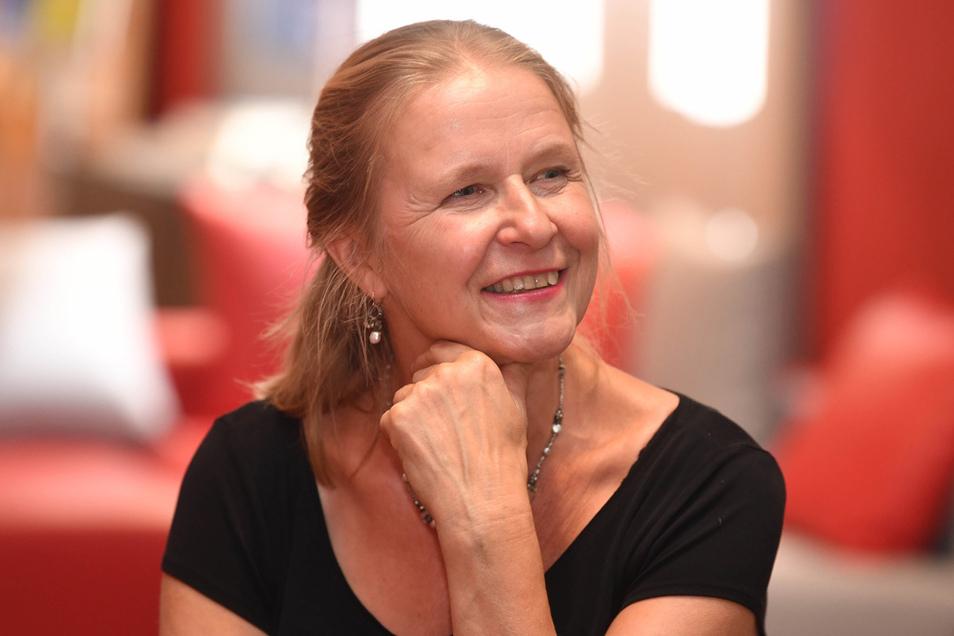 Autorin Cornelia Funke macht sich Sorgen um die Kinder in der Pandemie.