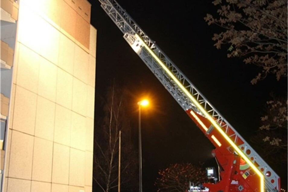 Die Brandwohnung musste die Feuerwehr gewaltsam öffnen, da der Mieter nicht zu Hause war.