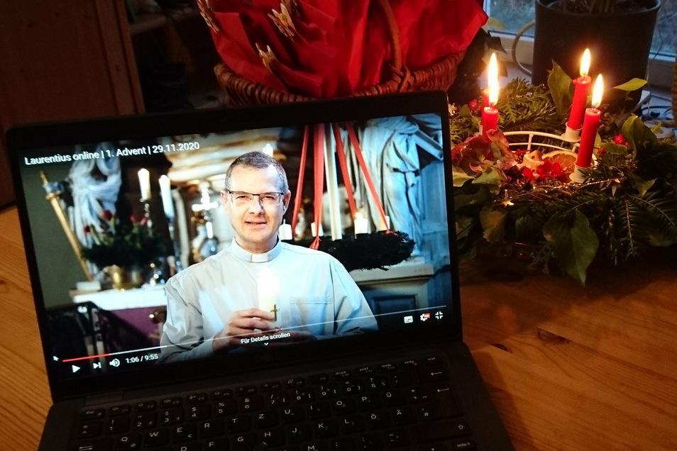 Viele Kirchen bieten für die Advents- und Weihnachtszeit Online-Andachten an.