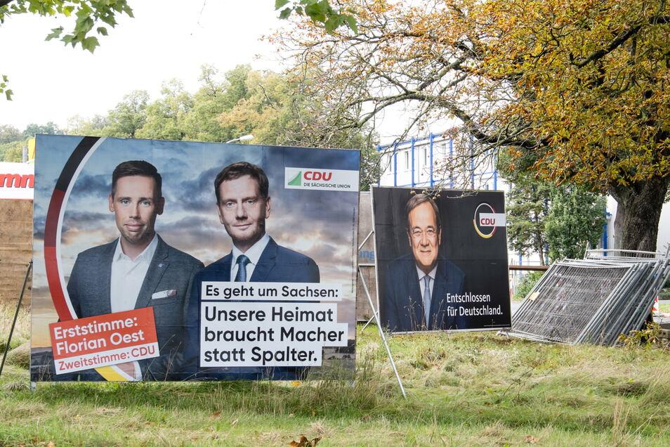 Wahlplakate vor Alstom in Görlitz: Florian Oest im Kampf um Erststimmen.