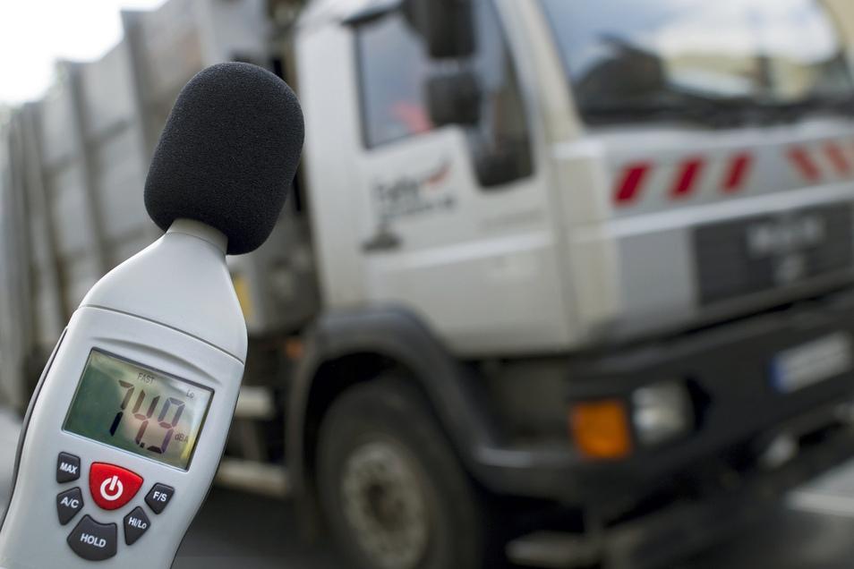Um dem Lärm entgegenzuwirken, werden passive Lärmschutzmaßnahmen vorgeschlagen.