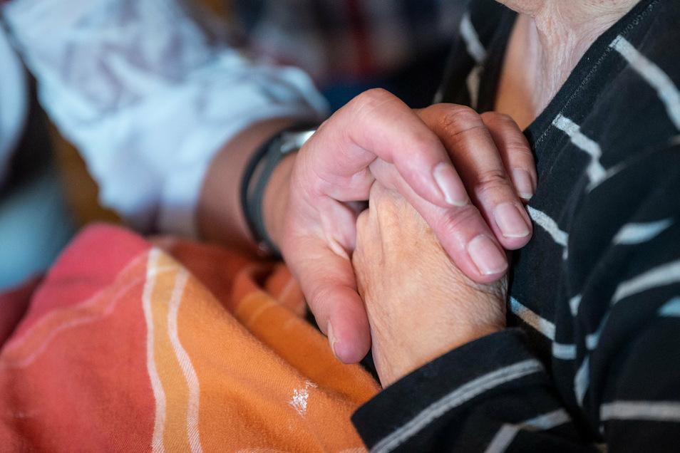 Für einsame Senioren ist Nähe und Fürsorge das wichtigste.