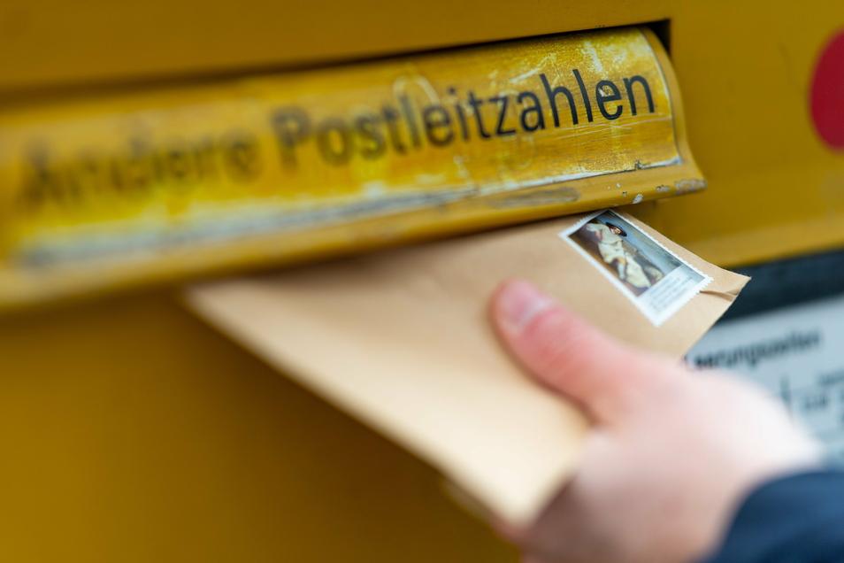 Briefe der Deutschen Post sind länger vom Briefkasten bis zum Empfänger unterwegs gewesen als früher.