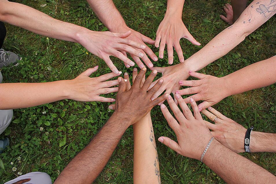 Die Interkulturellen Wochen im Landkreis sollen zu Verständigung beitragen und gegenseitiges Kennenlernen befördern.
