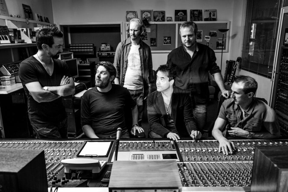 Mehr als nur ein Hobby: Mit seiner Band Radio Doria ist Jan Josef Liefers auch als Sänger erfolgreich unterwegs.