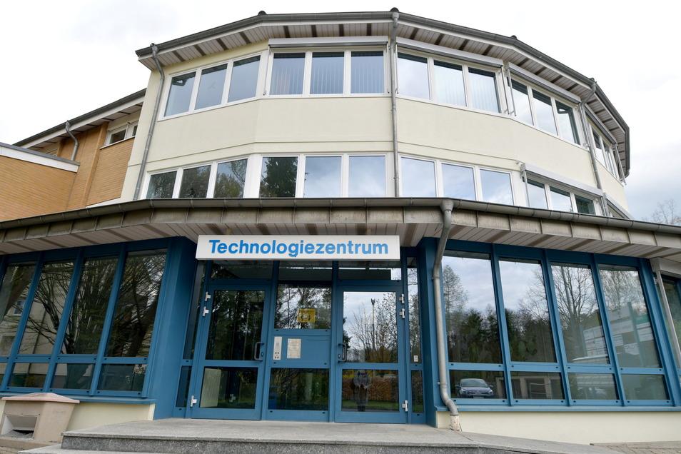 Das Technologienzentrum in der Siedlung Rossendorf. Die Betreiber planen eine zusätzliche Halle. Anwohner sind gegen das Projekt.