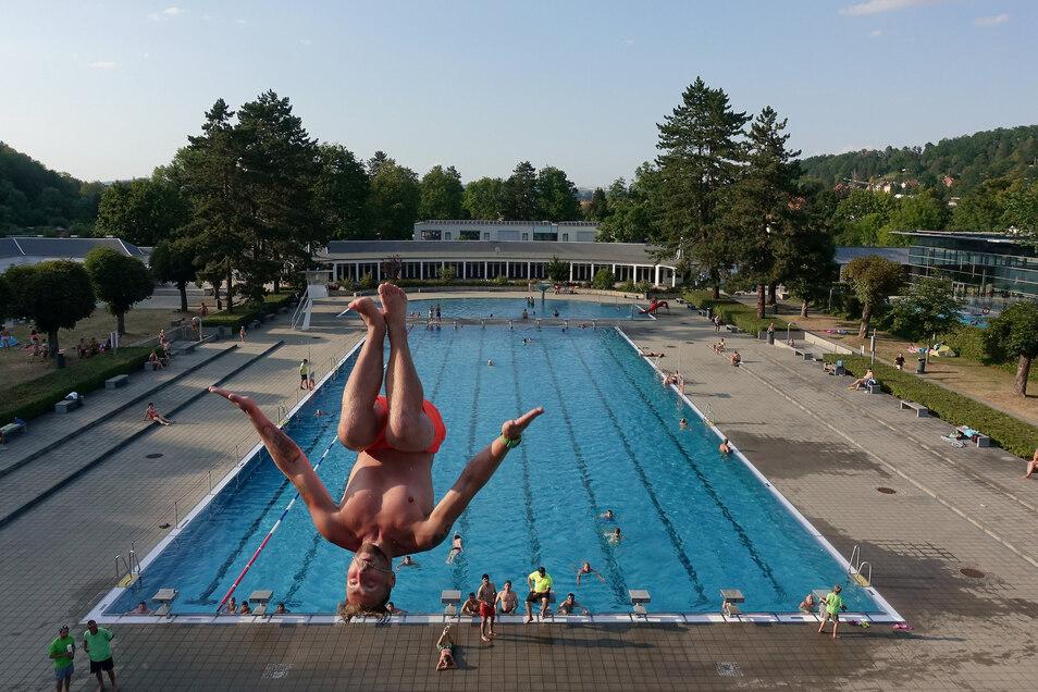 Das Geibeltbad in Pirna hat den Freibadebereich am 5. Juni und das Hallenbad am 12. Juni wieder eröffnet.