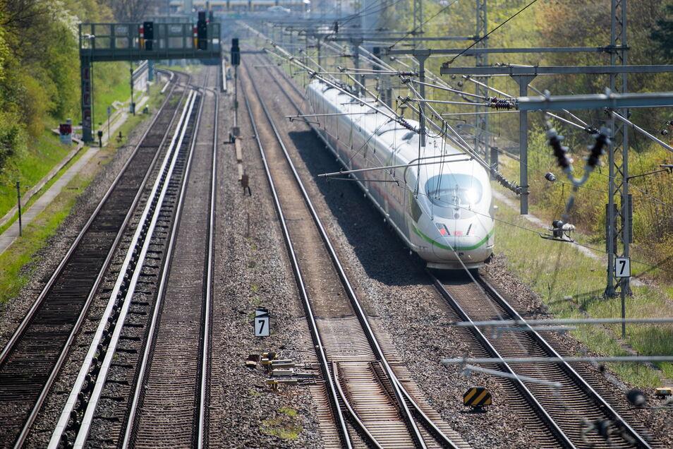 """Durch den """"Deutschlandtakt"""" sollen bis zum Jahr 2030 die Züge zwischen den größten Städten im Halbstundentakt fahren."""