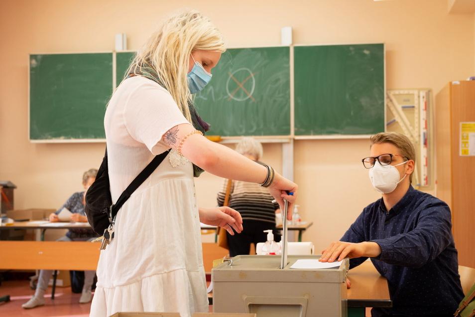 Bei der Bundestagswahl wurden in Dresden auch zahlreiche uneindeutige Stimmen abgegeben. Der Kreiswahlausschuss hat nun unter anderem entschieden, welche Stimmen dennoch gelten sollen.