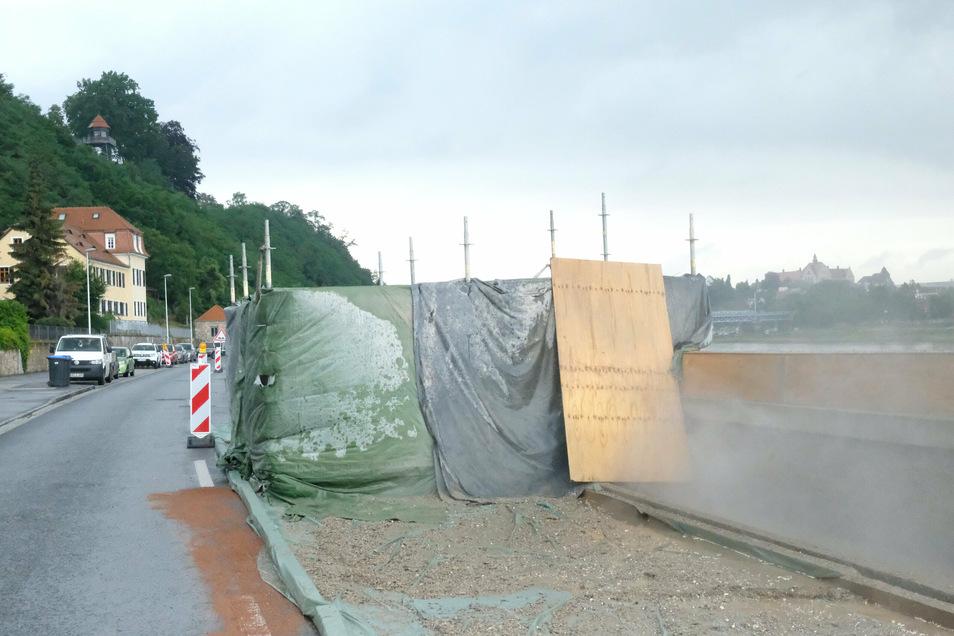 Die Hochwasserschutzmauer an der B6 in Meißen wird saniert. Doch der Lärm ist für die Anwohner unerträglich.