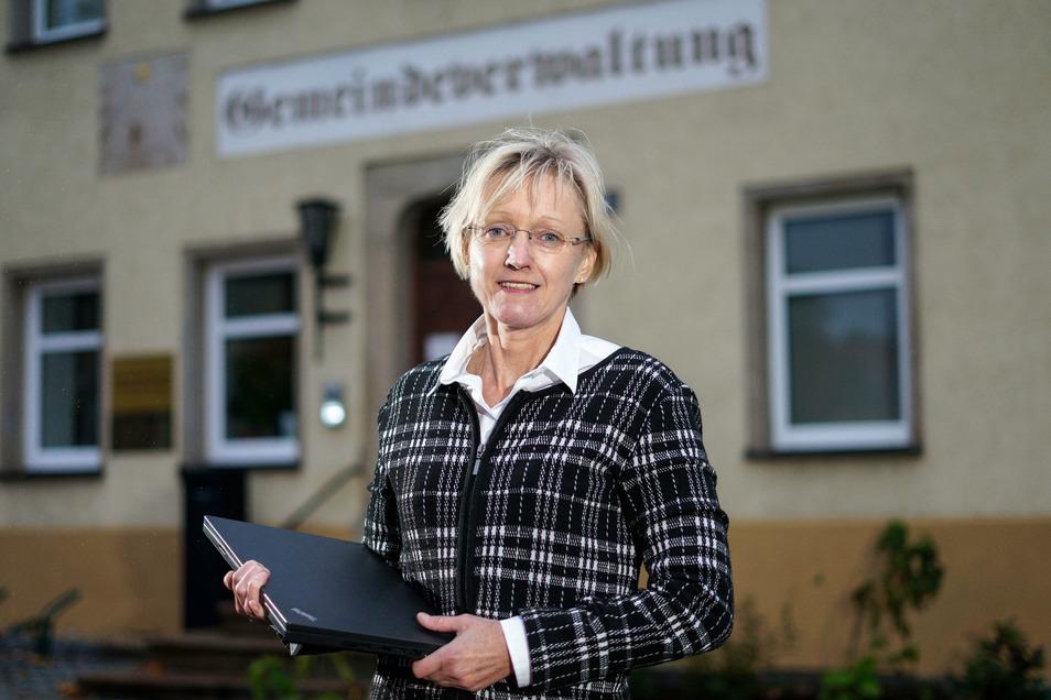 Kathrin Gessel ist die neue Bürgermeisterin in Steinigtwolmsdorf. Wann sie ihr Amt antritt, ist noch unklar.
