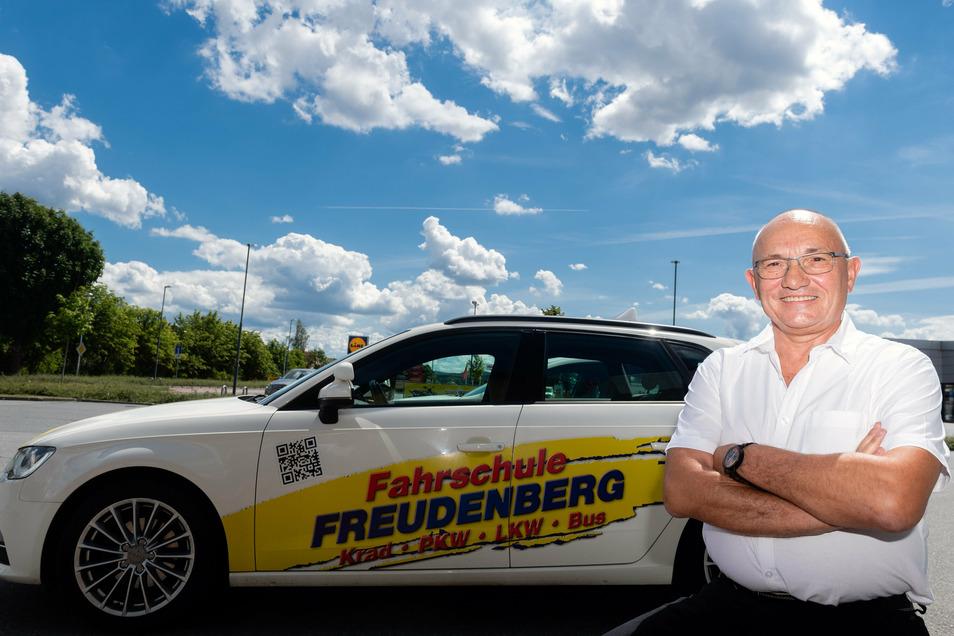 Vor 30 Jahren hat Michael Freudenberg seine Fahrschule als Ein-Mann-Betrieb gegründet. Seitdem ist das Unternehmen in Bischofswerda stetig gewachsen. Heute gehört es zu den größten in der Region.