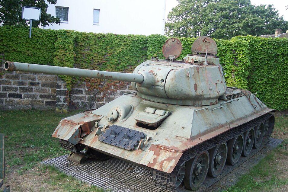 Der gut 70 Jahre alte Sowjet-Panzer T34 rostet auf dem Gelände des Militärhistorischen Museums in Dresden vor sich hin.