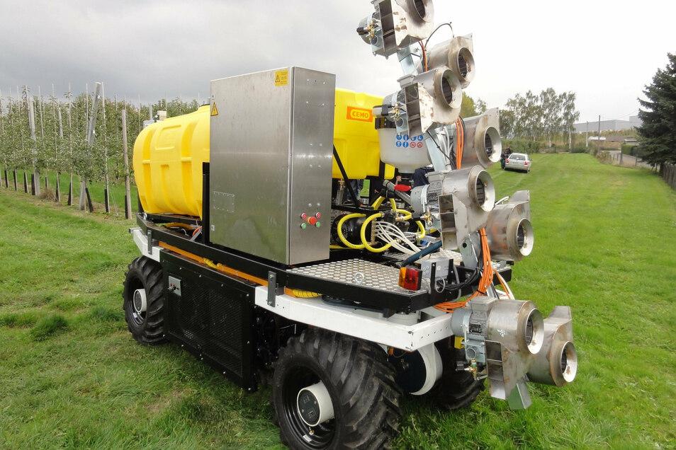 Der an der TU entwickelte Elwobot ist ein Prototyp des autonom fahrenden Obst- und Weinbauroboters.