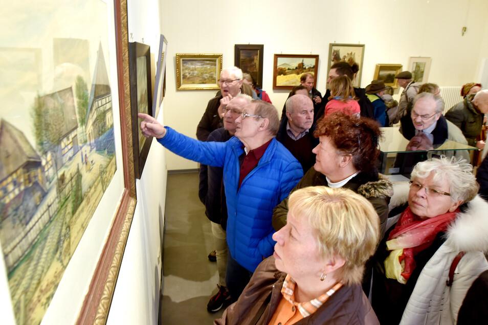 Etwa 120 Besuchern kamen zur Eröffnung in das Damastmuseum.