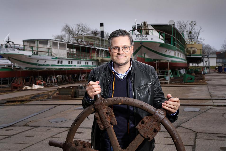Die Firma, in der Sven Spielvogel einer von zwei Geschäftsführern ist, hat die Werft 2019 übernommen. Er hält es für möglich, dass auch ein Teil der Flottenverwaltung auf das Gelände umzieht.