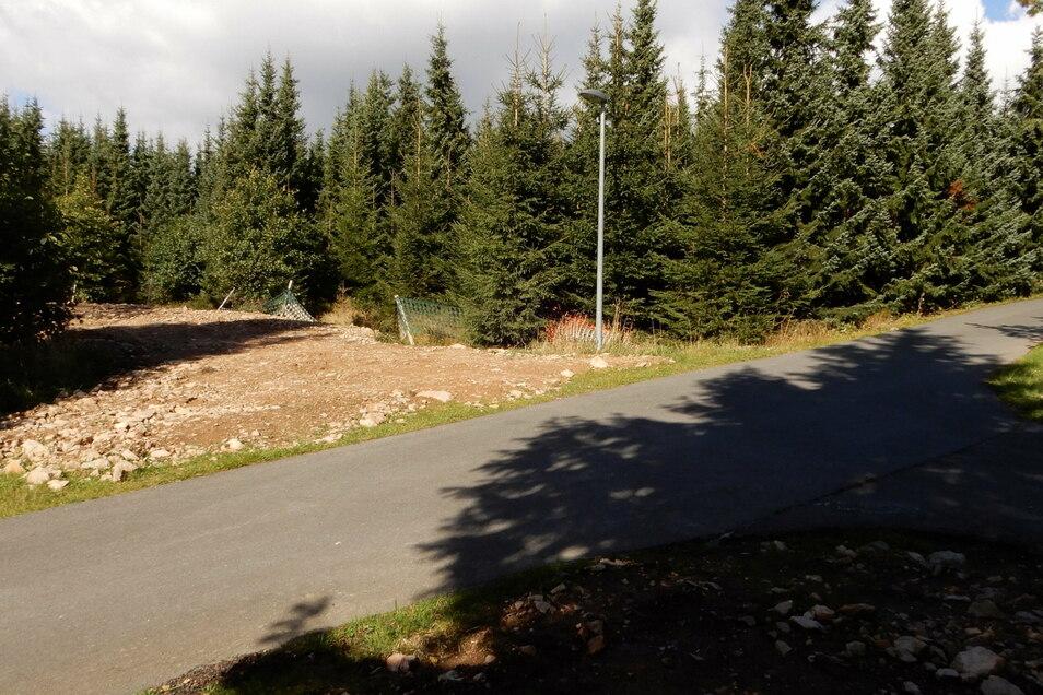An dieser Stelle soll die Loipe in der Biathlonarena mit einer Tunnelröhre überbrückt werden.