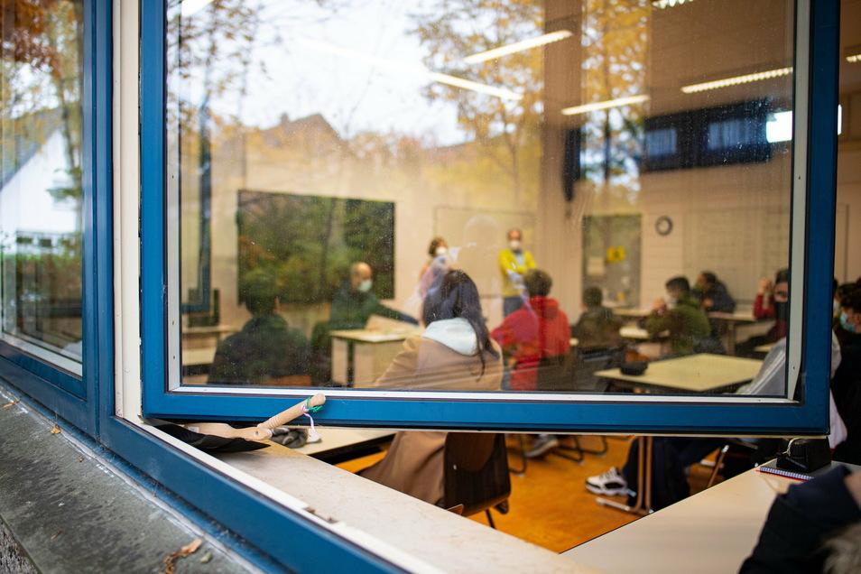 Volle Klassenzimmer trotz Corona: In Sachsen sollen die Schüler so lange wie möglich im Regelbetrieb unterrichtet werden.
