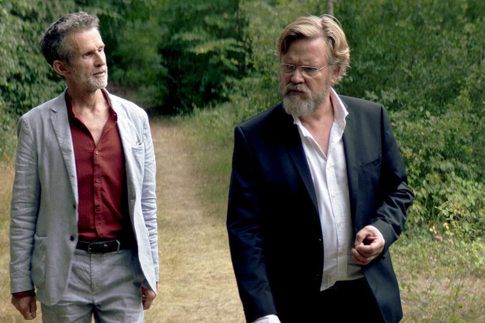 """Ulrich Matthes (l.) und Justus von Dohnányi spielen in """"Freunde"""" zusammen. Der Film läuft am 20. Oktober im Ersten."""