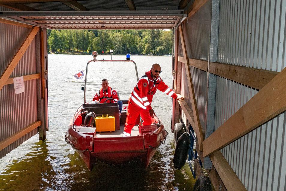 """Einrücken nach einer Routine-Kontrollfahrt: Mit der """"Mittelsachsen"""" kann jeder Ort rund um den See in etwa zwölf Minuten erreicht werden."""