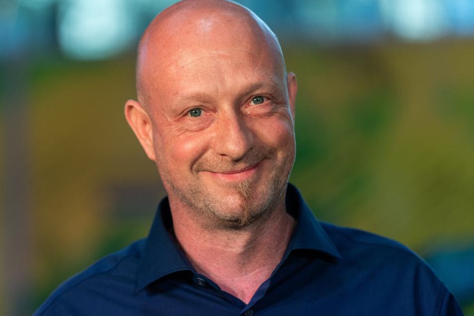 Jens Feucht ist Inhaber einer Firma für erneuerbare Energien. Zusammen mit vier anderen Gesellschaftern gründete er den Dresdner Rennstall T3.