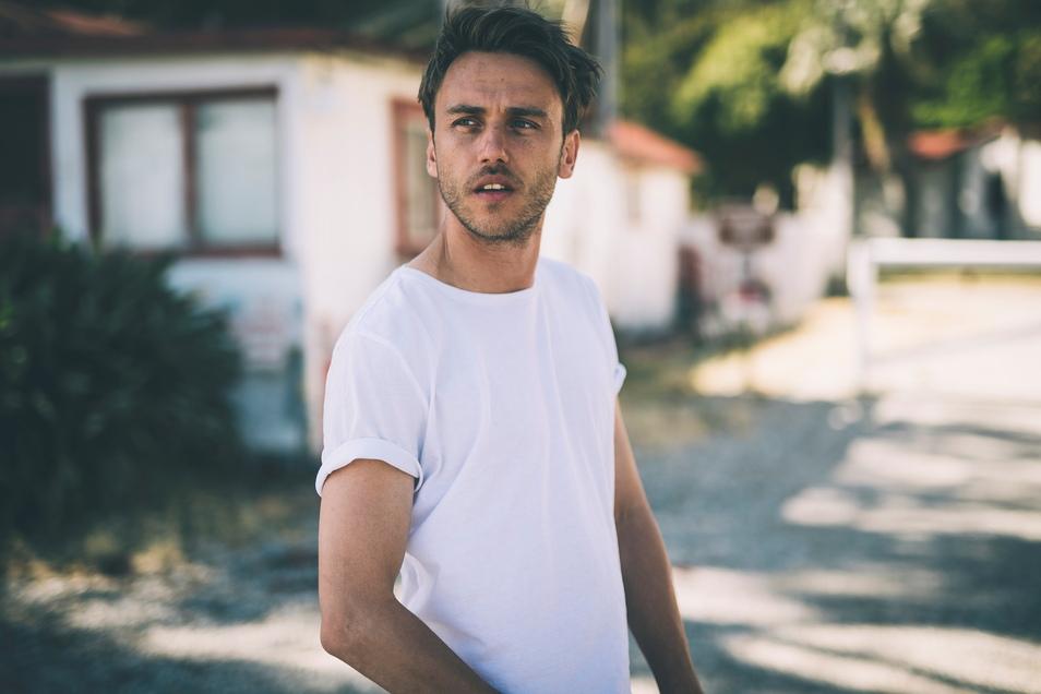 Thomas Hübner alias Clueso hat das bislang sommerlichste Album seines Lebens gemacht.